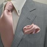 【結婚式の服装】男性のネクタイの色はピンクでもいいの?